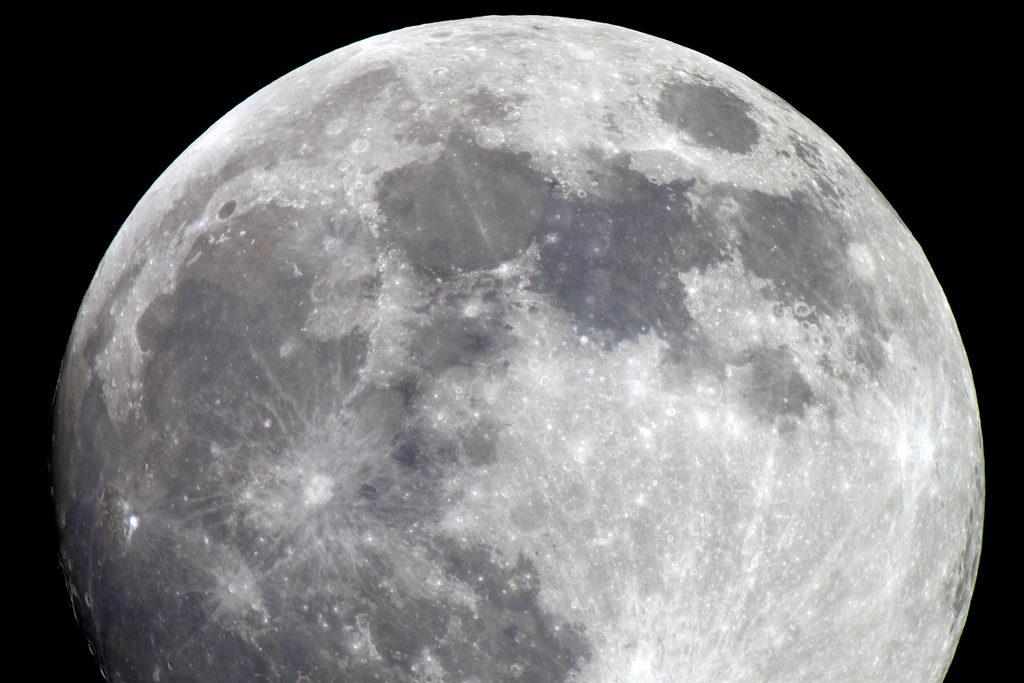Telescope skywatcher u une longues vues